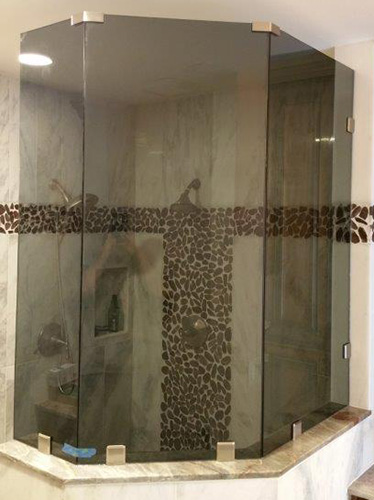 Paradise Glass and Mirror offers Fixed Panel Showers in Marco Island and Naples, FL