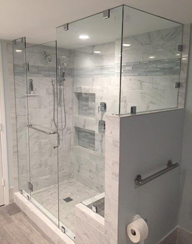 Paradise Glass and Mirror offers Door and Panel Showers in Marco Island and Naples, FL