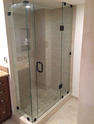 Paradise Glass and Mirror offers Frameless Showers in Marco Island and Naples, FL