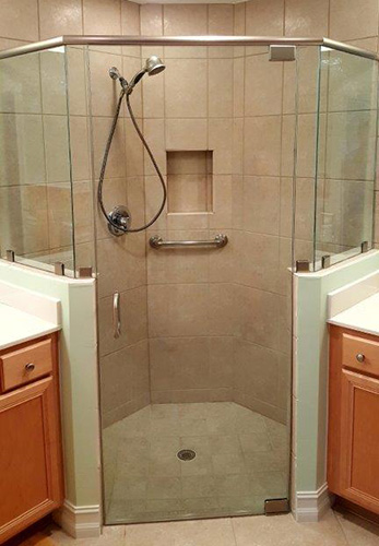 Paradise Glass and Mirror offers Neo-Angle Showers in Marco Island and Naples, FL