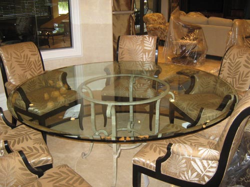 Paradise Glass and Mirror offers Glass Table Tops in Naples, FL