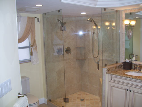 Paradise Glass and Mirror offers Glass Showers in Port Royal, FL