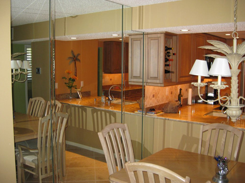 Paradise Glass and Mirror offer Mirrored Walls in Port Royal, FL